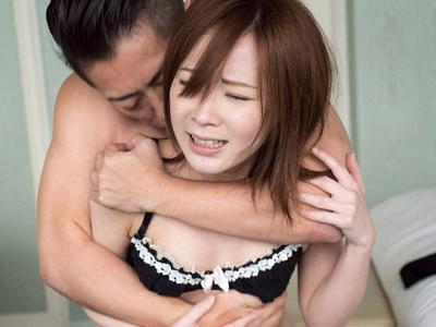 小柄美少女がイケメンと欲望のまま求め合うガチSEX