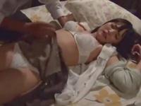 旦那が出張中に侵入者にレイプされ托卵中出しで妊娠してしまったロリ人妻