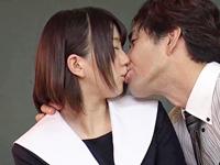 中年男が好きなJKがキスで誘って激ピスSEX