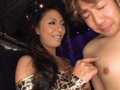 「ねぇ‥イキたいの?w」M男を淫語攻め手コキで搾精する痴女ギャル