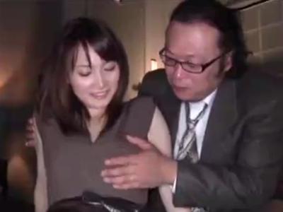 「主人にバレなければ‥w」モデル人妻がお偉いさんに言い寄られて膣内射精不倫w