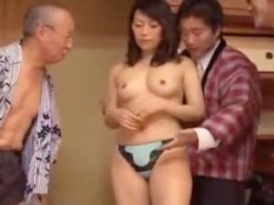夫の借金を返すために旅館で辱めを受けて強制絶頂w