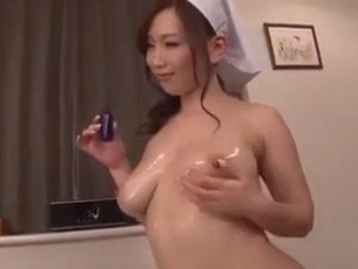 「たっぷり出してくださぃ」自らの膣を使ってご主人様を癒やす巨乳家政婦さん