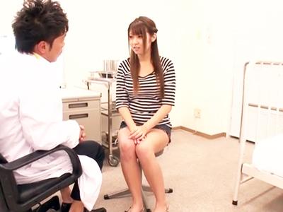 診察に来た巨乳娘・北川瞳を言いくるめて生チン挿入する天才医師w