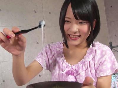 ガチロリ娘のご奉仕フェラで濃厚ザーメン即射精→歯ブラシにつけてゴックンw