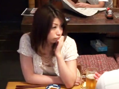 居酒屋に居た専業主婦をナンパ→泥酔させホテルハメ!