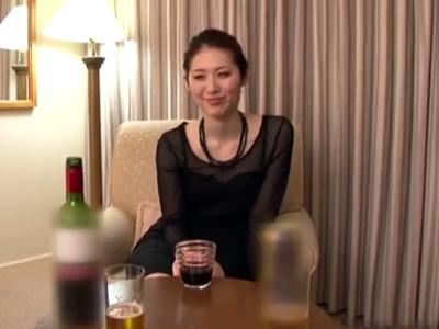 パリコレに出れそうな八頭身美女→ホテル3Pでイキ乱れ!