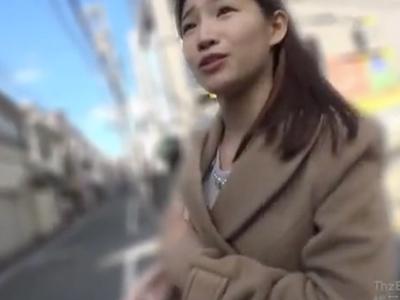 新宿でナンパした素人JDを言葉巧みにホテルに連れ込みパコるw
