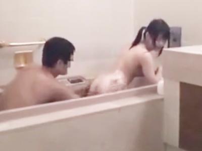 「聞こえちゃうってぇ!」両親に隠れてお風呂場で近親相姦ファックを繰り返す不貞兄妹