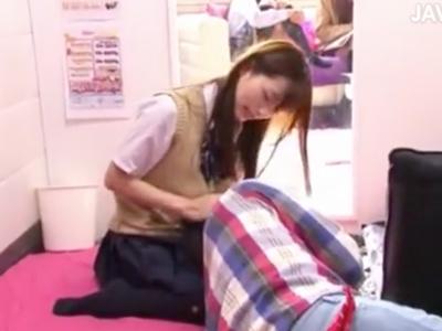 オナニー部屋に突如乱入して着た美少女JK→即チンポパクつく濃密パコ