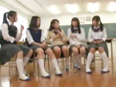 「こんなに大っきくなってる…」ロリカワJK達と放課後の教室でハーレムパコ!