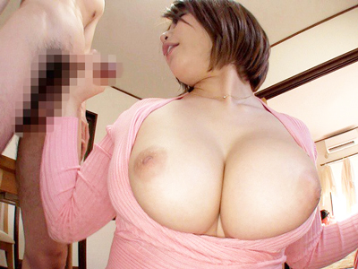 同じマンションの巨尻&巨乳のミニスカ妻をナンパしてエキサイティングなドキドキ不倫