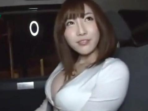 「いっぱい気持ちよくしてくださぃ」巨乳美女が一般男性宅を訪問しおチンポ受け入れ!