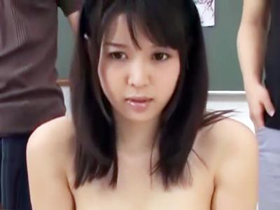 激カワJD・葵つかさちゃんが先輩たちのおもちゃにされる顔射3Pハメ