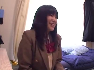 「いっぱいお金ちょうだい!」爆乳な円光JKを自宅に連れ込みパコる!