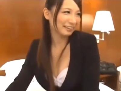 昼休憩中のOLをナンパ→ホテルに連れ込み容赦なくハメるw