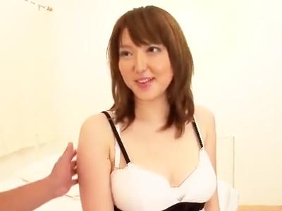 「5回はイっちゃった‥」感度MAXな豊満美女の膣奥を刺激する激ピスSEX!