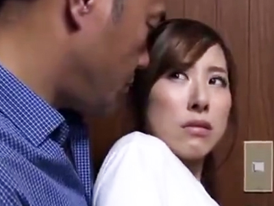 「なんでこんな事するのよッ!」弱みを握られた美人妻が他人チンポを嫌々受け入れ!