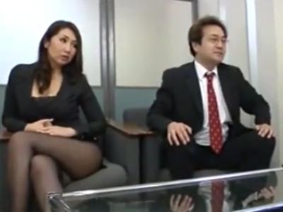 「契約…お願いしますね?」営業先のお偉いさんに身体を使って媚を売る熟女OL