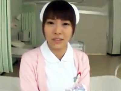 入院患者の性欲がパンパンに詰まったチンポから放出されたザーメンを顔で受け止める看護師