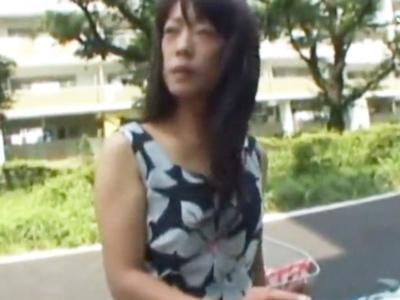 「いっぱい出てきたぁ」団地妻をナンパ→ホテルに連れ込み強制フェラ!