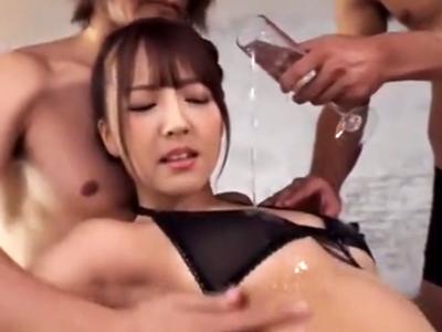 元国民的アイドル・三上悠亜ちゃんとぬるぬるローション3Pパコ!