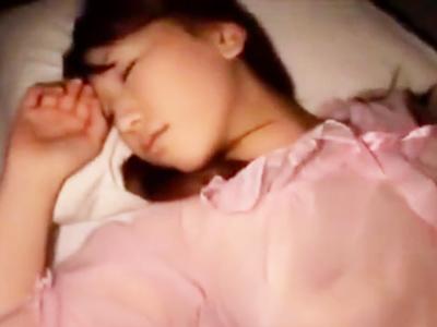 柔らか美巨乳の美女の寝込みを襲って本気ピス→ザーメン大量ぶっかけ
