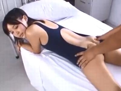 「お尻にかけて」ロリカワ美少女が美尻を勃起チンポに押し当て優しく尻コキ抜き!
