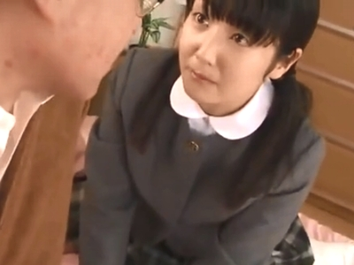 「許してくださぃい!」ロリカワJK娘にお仕置き近親ハメするハゲオヤジw