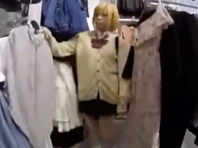 金髪の童顔JKを家に連れ込んで強引ハメ→未成熟マンコにがっつり中出し