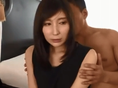 笑顔の可愛いお姉さんが男優のテクで悶え顔を晒しながらイキまくりw