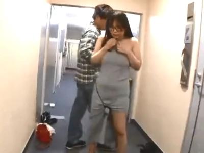 「嫌ッ!離して」同じマンションに住む鬼畜男に容赦なくレイプされる巨乳妻