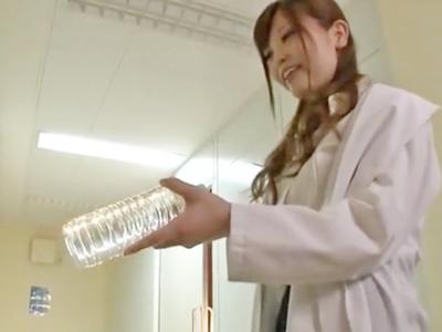 見習い医師が淫乱お姉さんに目をつけられた結果→院内パコ開始でザー汁枯渇