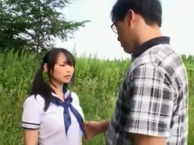 爆乳美少女が旅行先で強引にレイプされてしまい抵抗できずぶっかけフィニッシュ