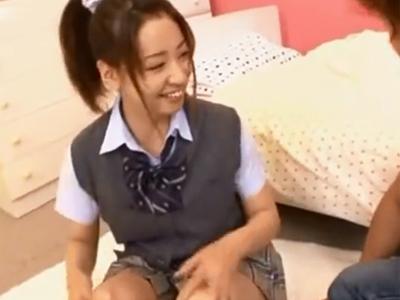 制服姿のJK娘が着衣のままチンポ強引に挿入されて本気絶頂