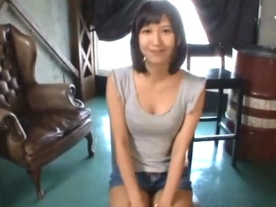 性欲を解禁した湊莉久が久々の性交に潮を撒き散らしながらイキ狂い!
