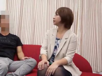 巨乳素人を自宅に持ち帰り盗撮→濃厚フェラでザーメン発射!