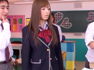 ド変態な生徒会長JK娘が同級生チンポを手コキ&フェラ抜き
