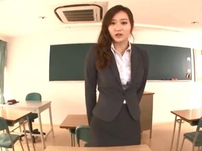 思春期の発情チンポを制御する為に自分の身体を使って性処理させる女教師