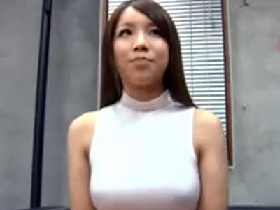 Fカップ巨乳の素人ビッチがカメラ前でフェラテク披露→気持ちよすぎて射精!