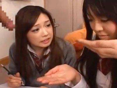 性的好奇心旺盛なJK2人組が手コキでザーメン搾り→その実態を考察討論!