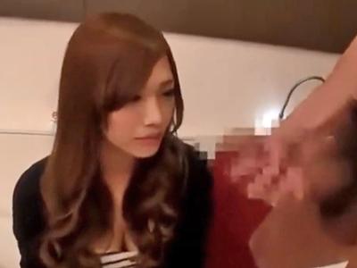 ギャル系の素人JD娘が撮影されながらのパコで絶頂→イキ後手マンで潮吹き