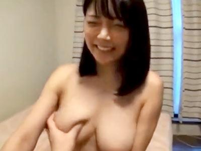 完璧ドスケベ巨乳ボディの素人妻さんを持ち帰りハメ撮り→パイパン膣に中出し