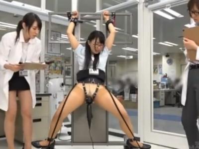 SODの「性化学ラボ」で働くメガネOLが自分の身を挺してSEX実験!