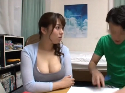 爆乳カテキョのおっぱいが気になって勉強できない受験生の童貞狩り授業!