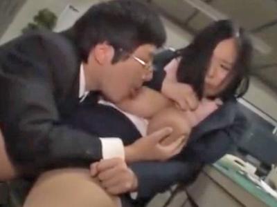残業中に職場の上司に中出しレイプされてしまう巨乳OL