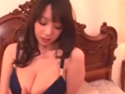 乳には定評がある爆乳嬢RIONちゃんが淫語交えながら乳揺らしパコ