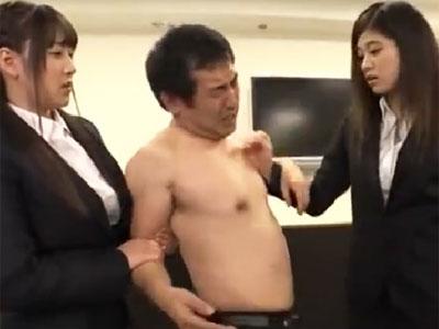ドSな痴女OLコンビにボコボコにされ足コキでイカされてしまうM男上司