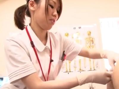 見た目は清楚な看護師さんにぺ二バンで肛門開発されながら手コキで精液絞られるw