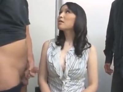 セクハラ面接にも動じずに3Pセックスで内定勝ち取る巨乳痴女